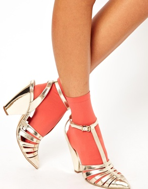 Wolford's Coral Ankle socks €14